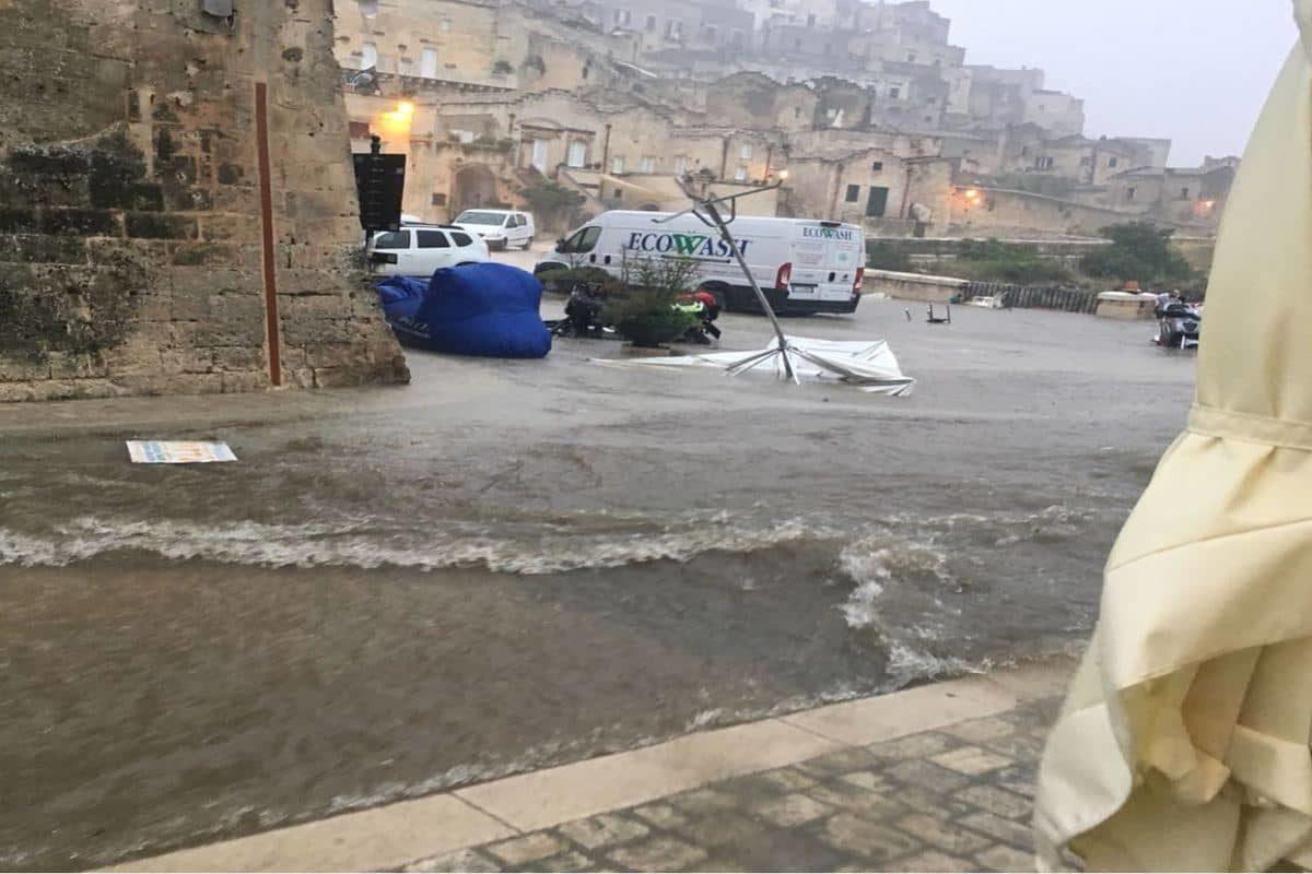 bomba d'acqua a Matera