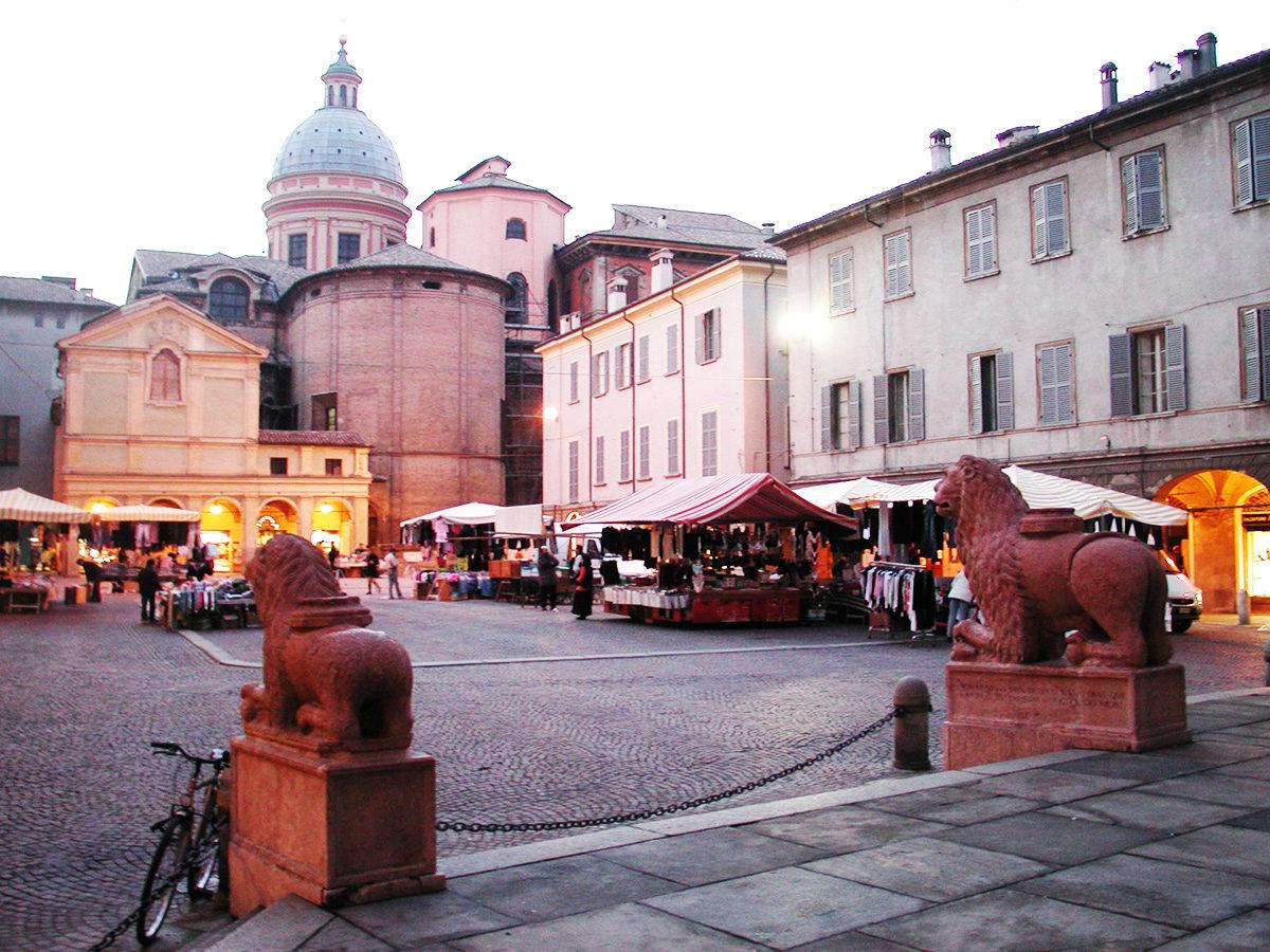 Reggio_emilia_piazza_san_prospero_abside_duomo