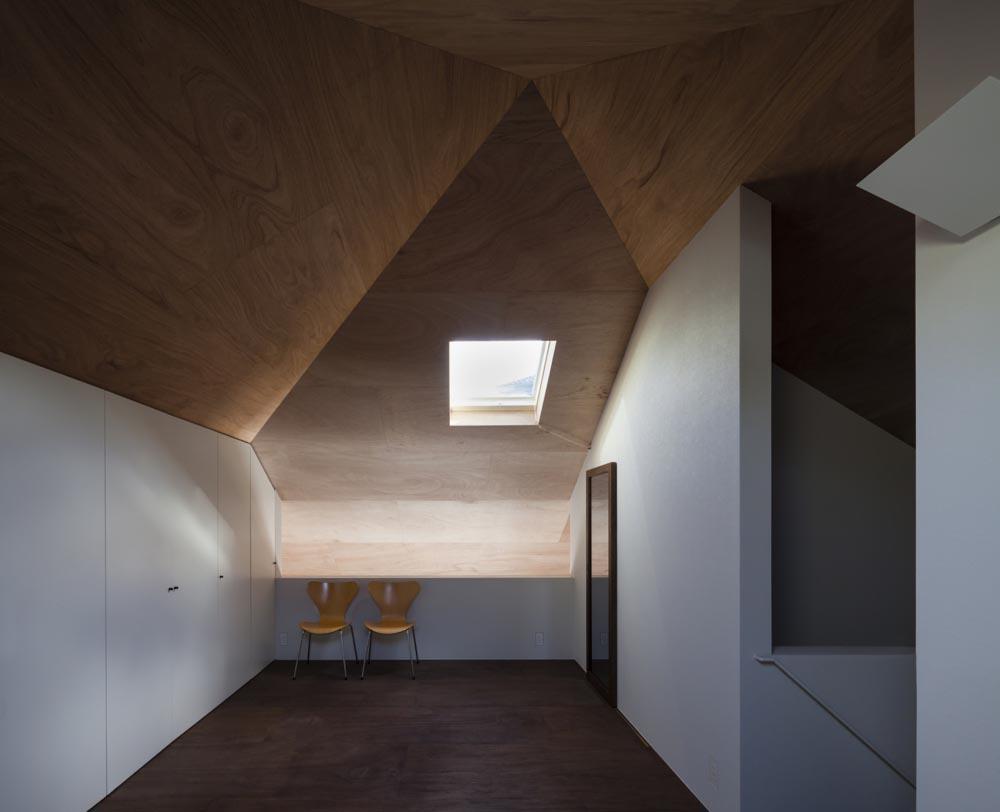 Il grande tetto che accoglie il cambiamento habitante for Aggiungendo un mudroom al lato della casa