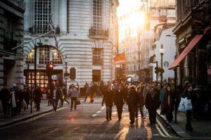 vantaggi e svantaggi di vivere in città