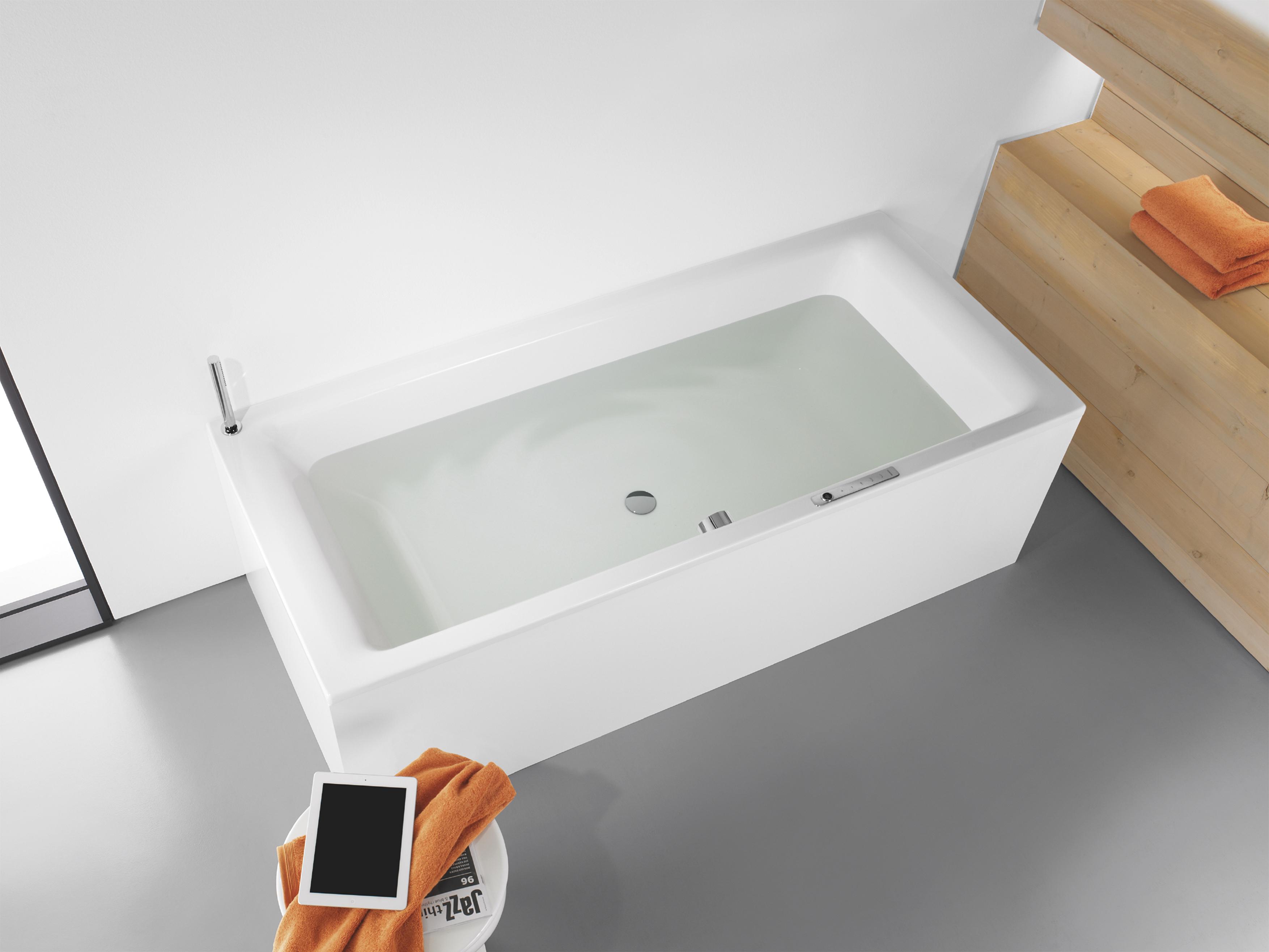 Quanta Acqua Vasca Da Bagno : Bagno luce soffusa acqua che scorre e high tech quanto basta