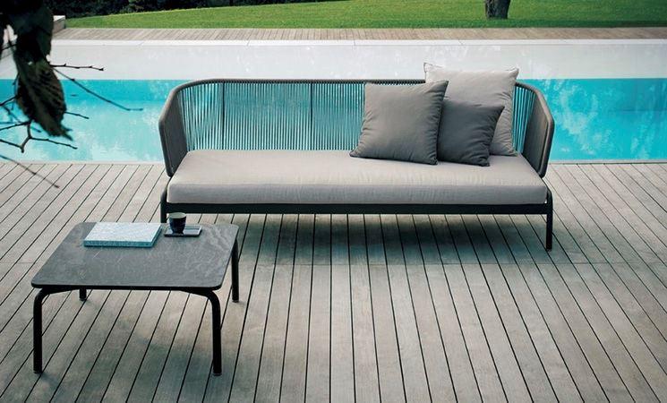 Il sofà in giardino qualche consiglio per il divano outdoor