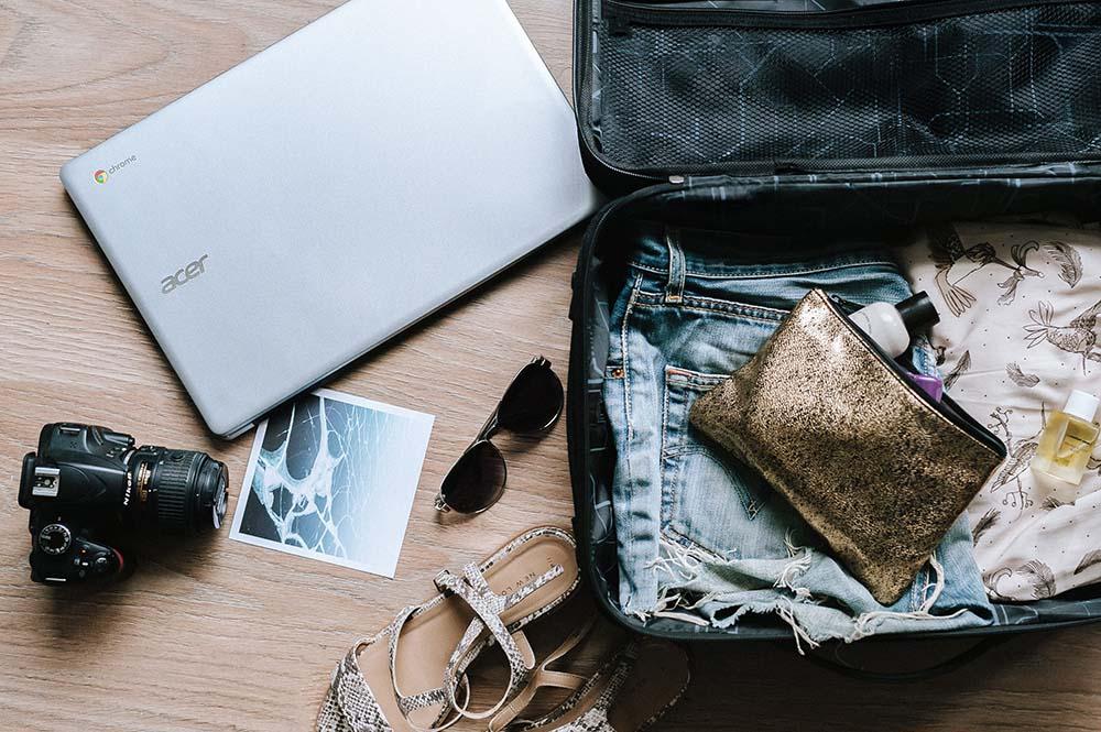 valigia per la vacanza