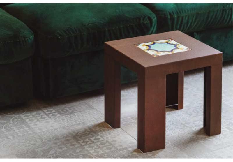 tavolino in acciaio corten