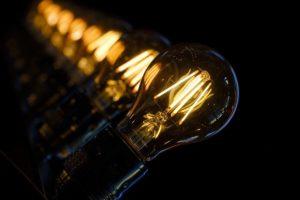 aumento costi luce e gas