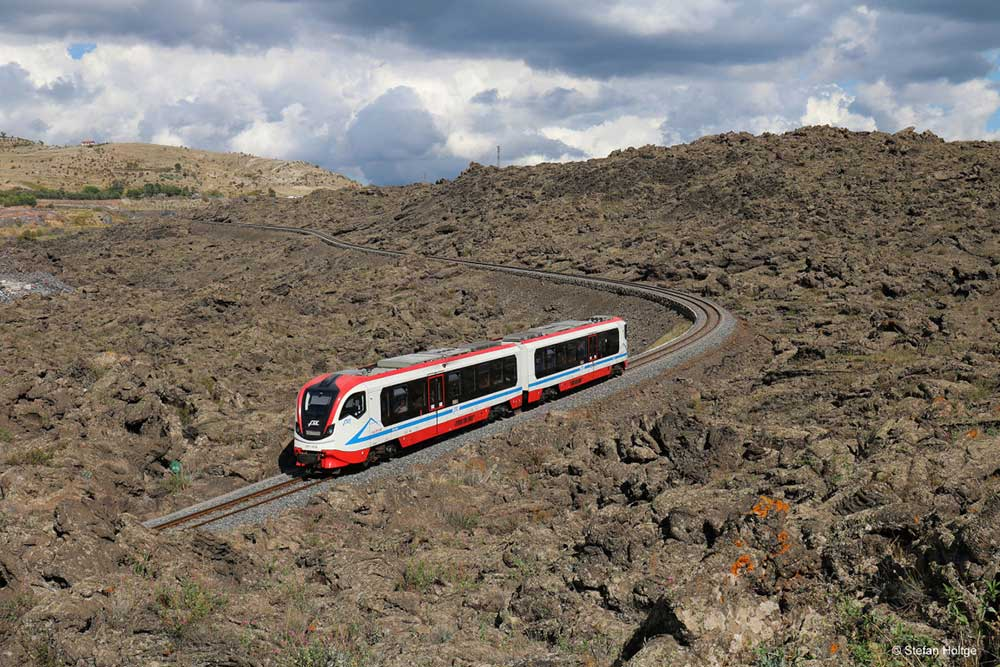 Il percorso e gli itinerari turistici della Ferrovia Circumetnea