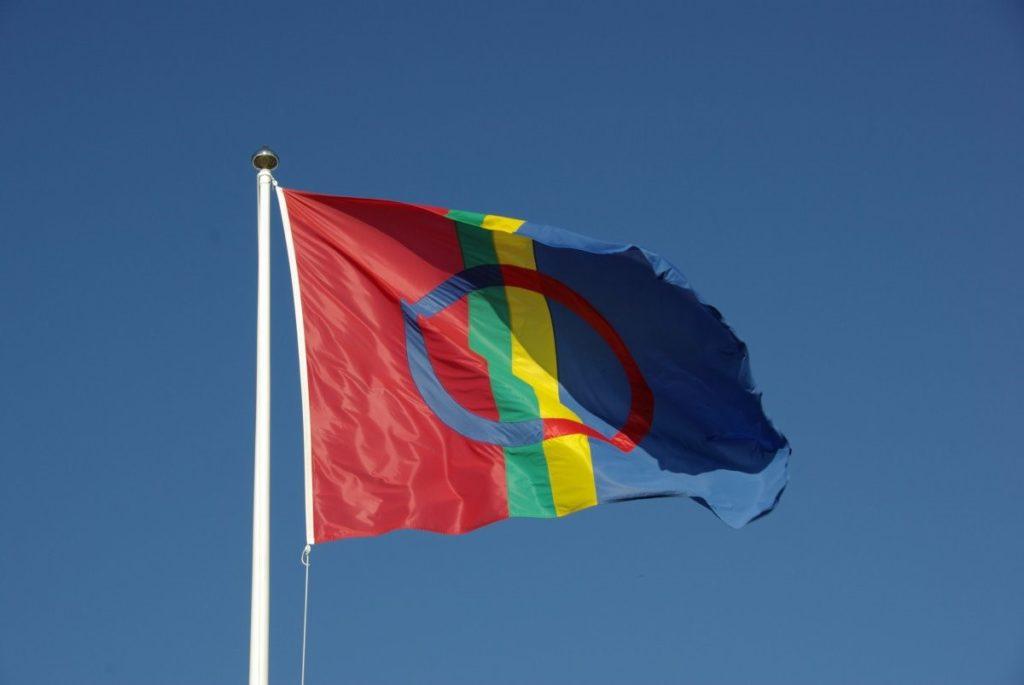 bandiera popolo Sami