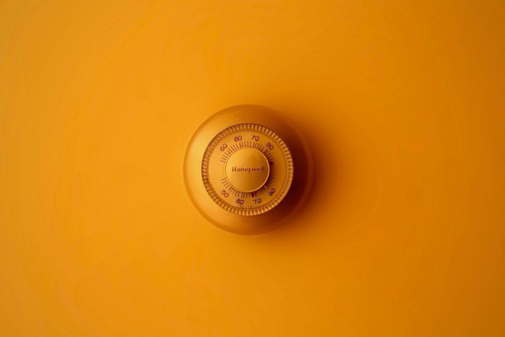 5 Scegliete un soffione eco-friendly Regalatevi un soffione nuovo per la vostra cabina doccia. La scelta migliore per prendersi cura della propria casa è quella di optare per un soffione di misura non eccessivamente grande, areato e a basso flusso d'acqua. Un piccolo gesto per risparmiare e abbellire la vostra casa.