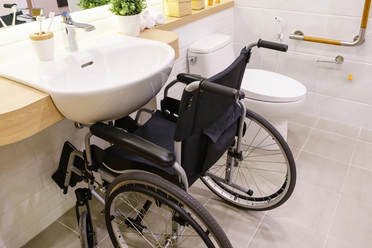 Da Bagno A Bagno Per Disabili Norma E Trasformazione