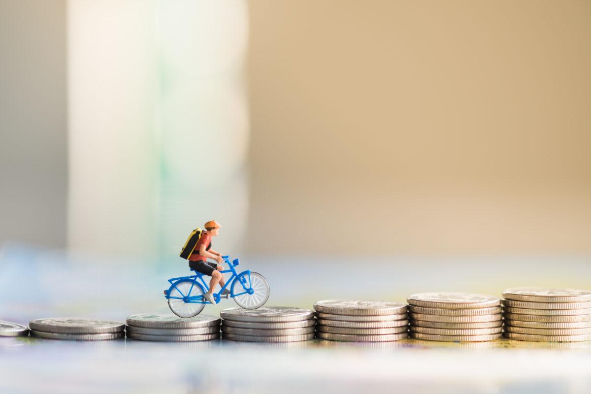 bicicletta soldi PIB habitante