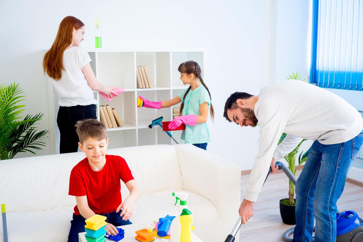 rimuovere la polvere in casa