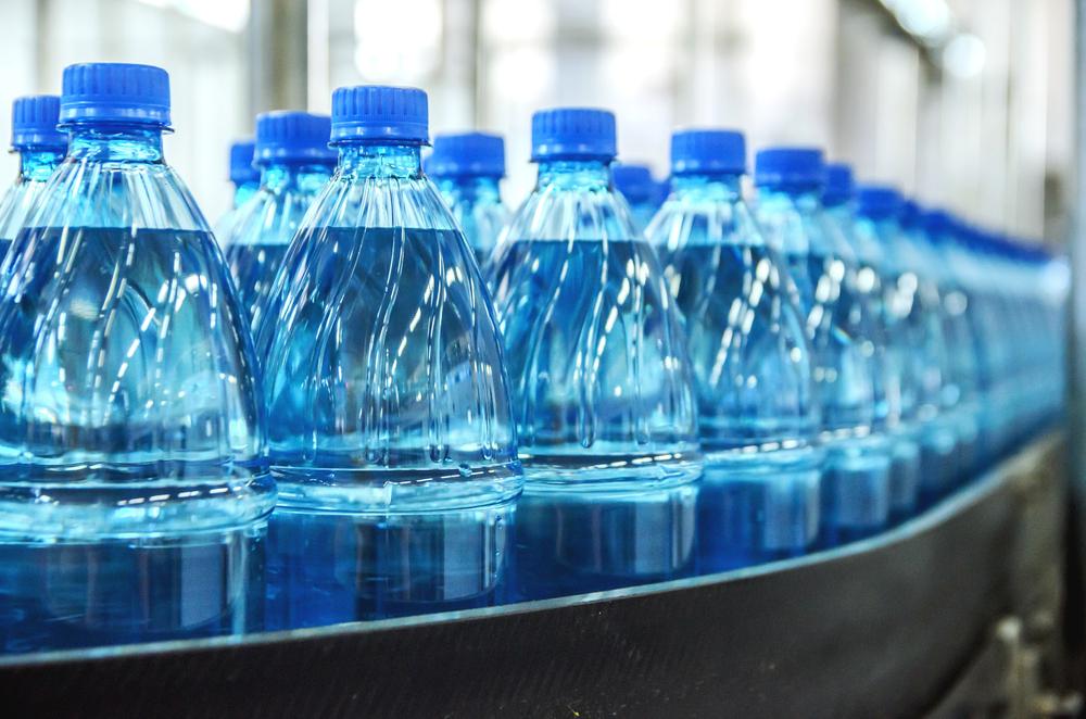 Il mercato dell'acqua in bottiglia: l'Italia è terza nel mondo