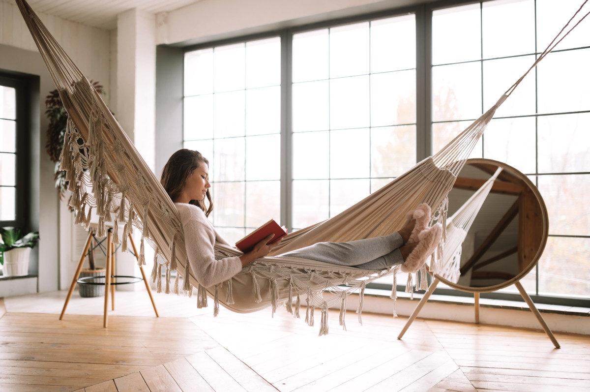 Creare in casa un angolo relax con l'amaca