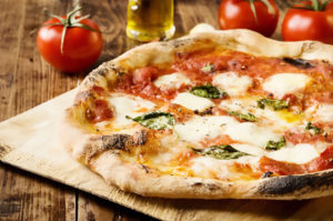 La Pizza napoletana e i pomodori San Marzano