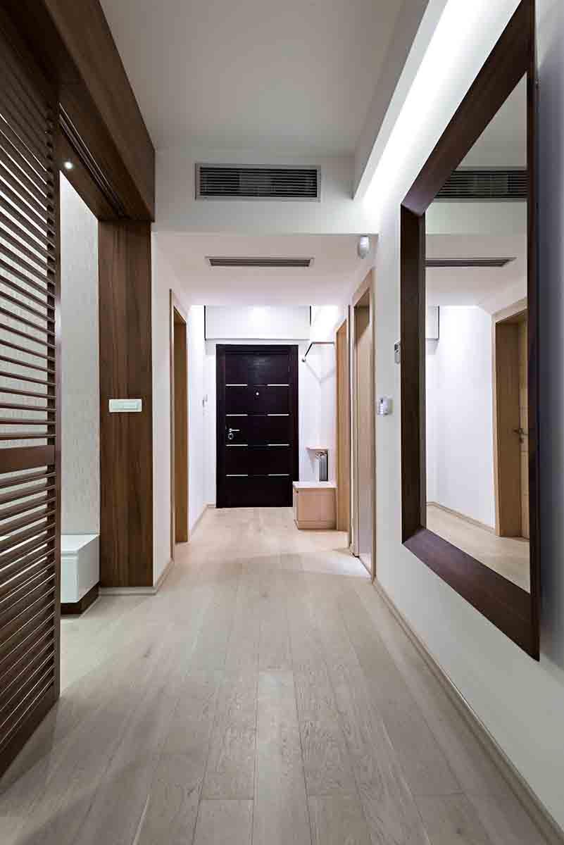 Arredare un corridoio stretto e lungo 5 consigli di design for Arredare un corridoio stretto