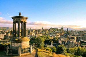 La città di Edimburgo - Shutterstock - evenfh