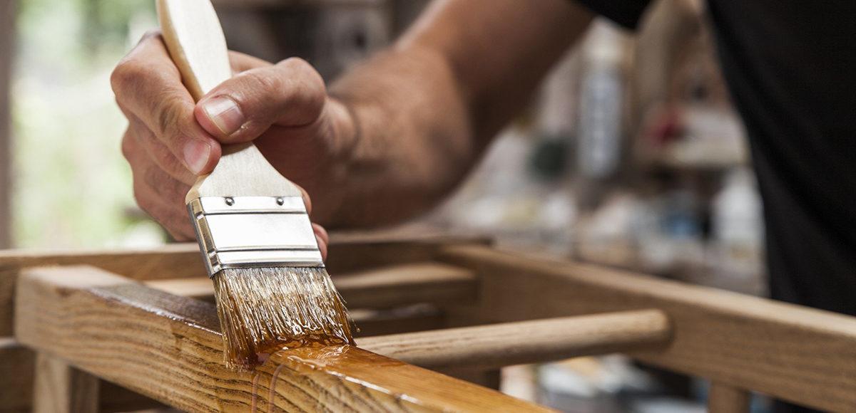 Sverniciare Mobile Legno.Come Sverniciare E Dipingere Un Mobile In Legno Habitante