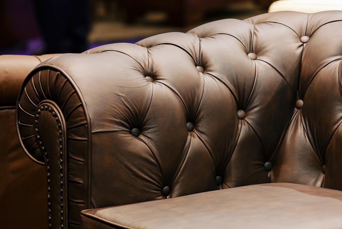Come ridar vita ad un divano in pelle