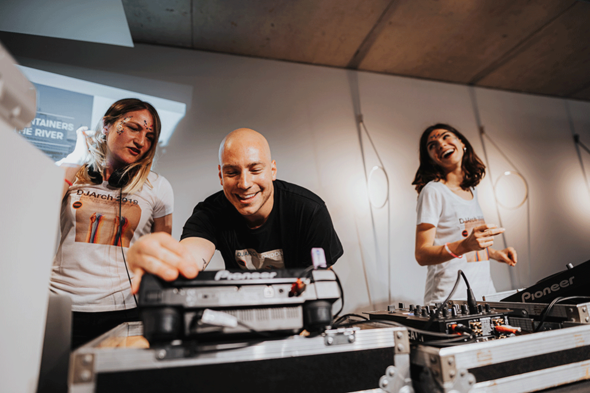 DJ Arch Night 2019: i party negli showroom di design dove il DJ è l'architetto