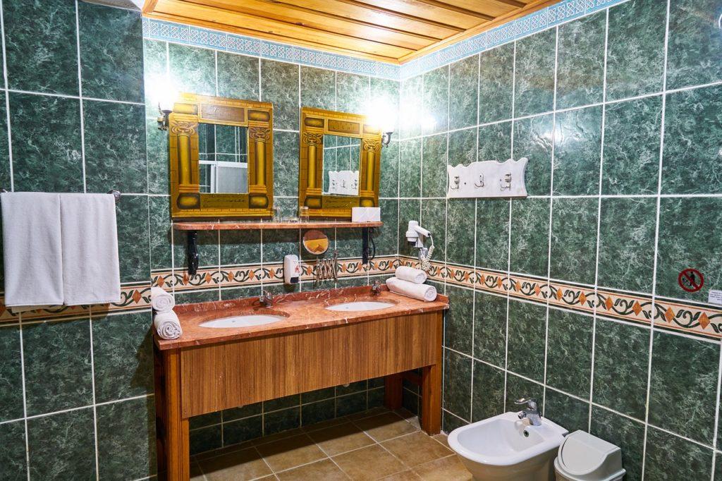 Foto di Bagno, Toilette, Piastrelle, Ceramica, Pietra, MarmoBagno Toilette Piastrelle Ceramica Pietra Marmo Public Domain Immagini commerciali