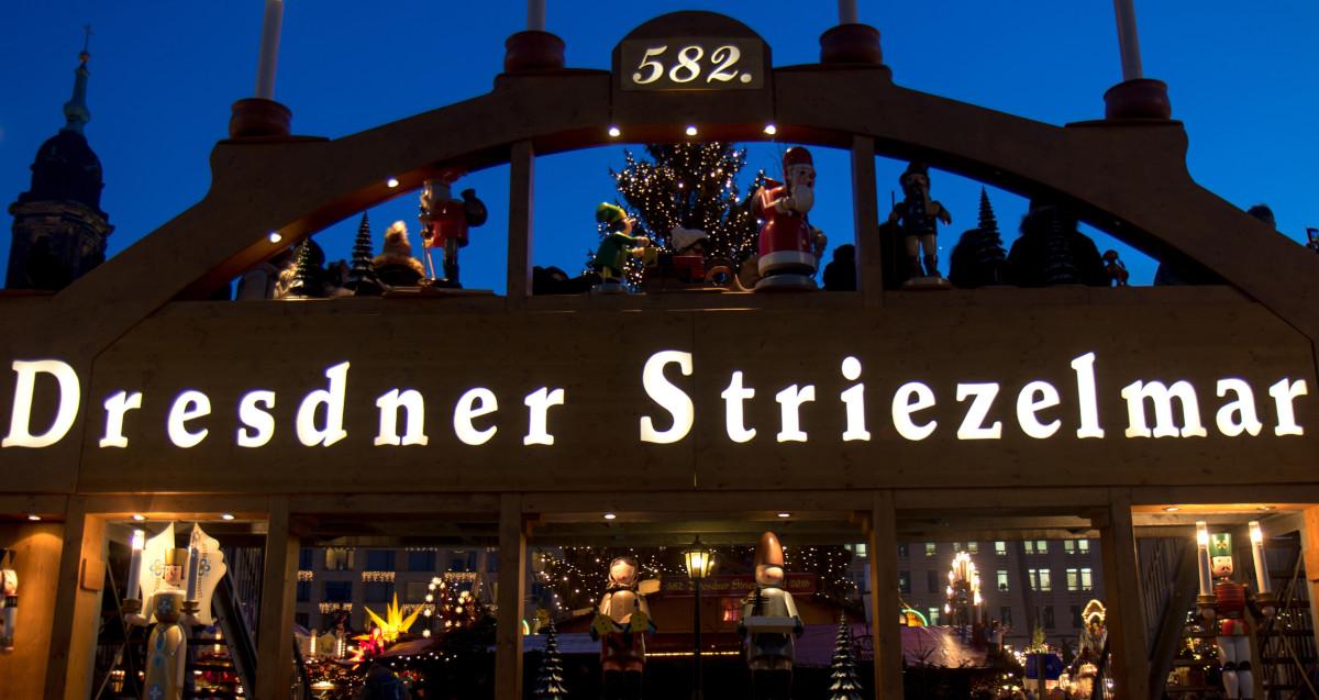 Dresdner Striezelmarkt - Dresda, Germania