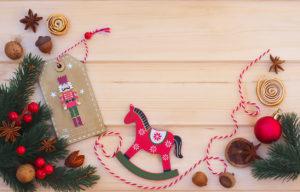 Cavallo a dondolo natalizio