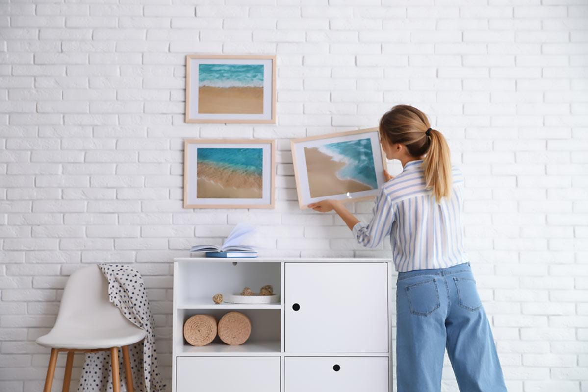 Quadri con i soggetti delle delle foto, delle immagini che metterete in cornice, avranno colori uniformi. Per esempio tutte foto di spiagge e mare, tutte foto di paesaggi, tutte foto in bianco e nero.