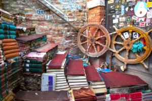 allagata libreria acqua alta