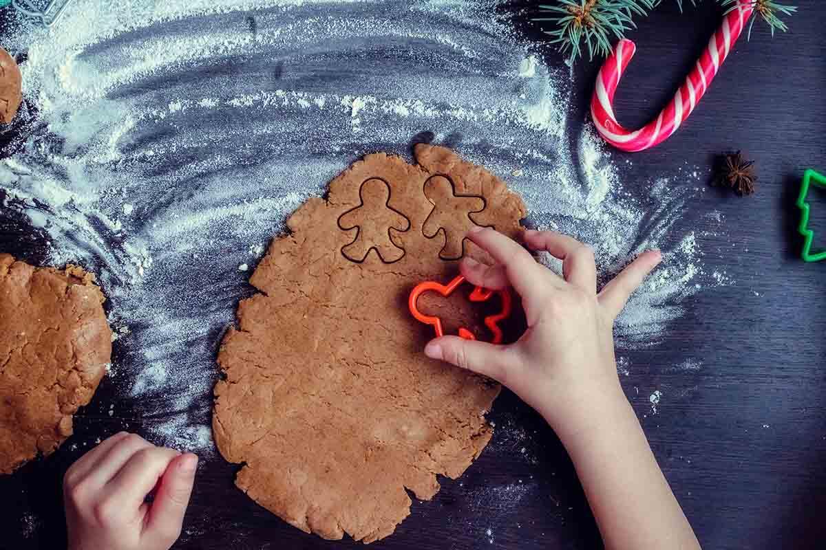 Preparare il pan di zenzero per le feste