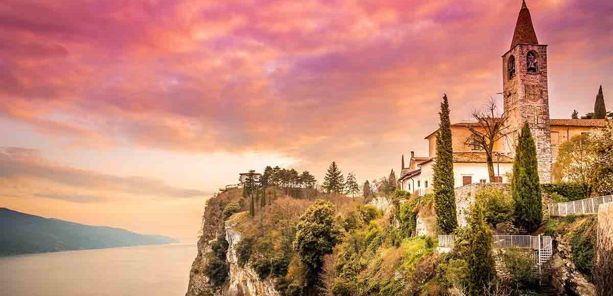 Il borgo di Tremosine sul Garda
