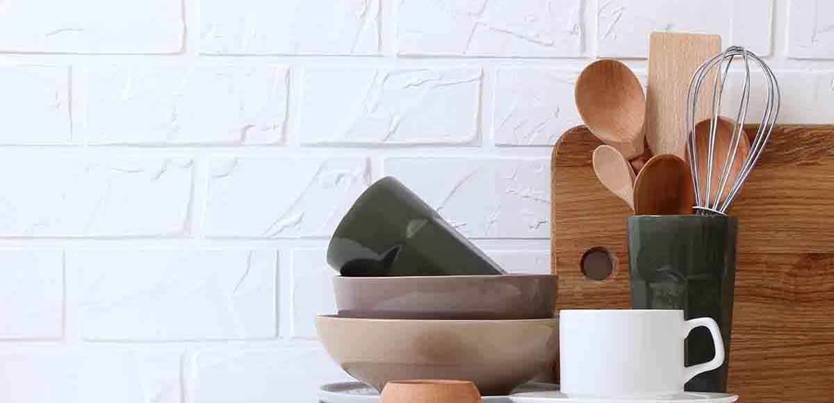 Utensili indispensabili in casa: cucina, bagno, camera