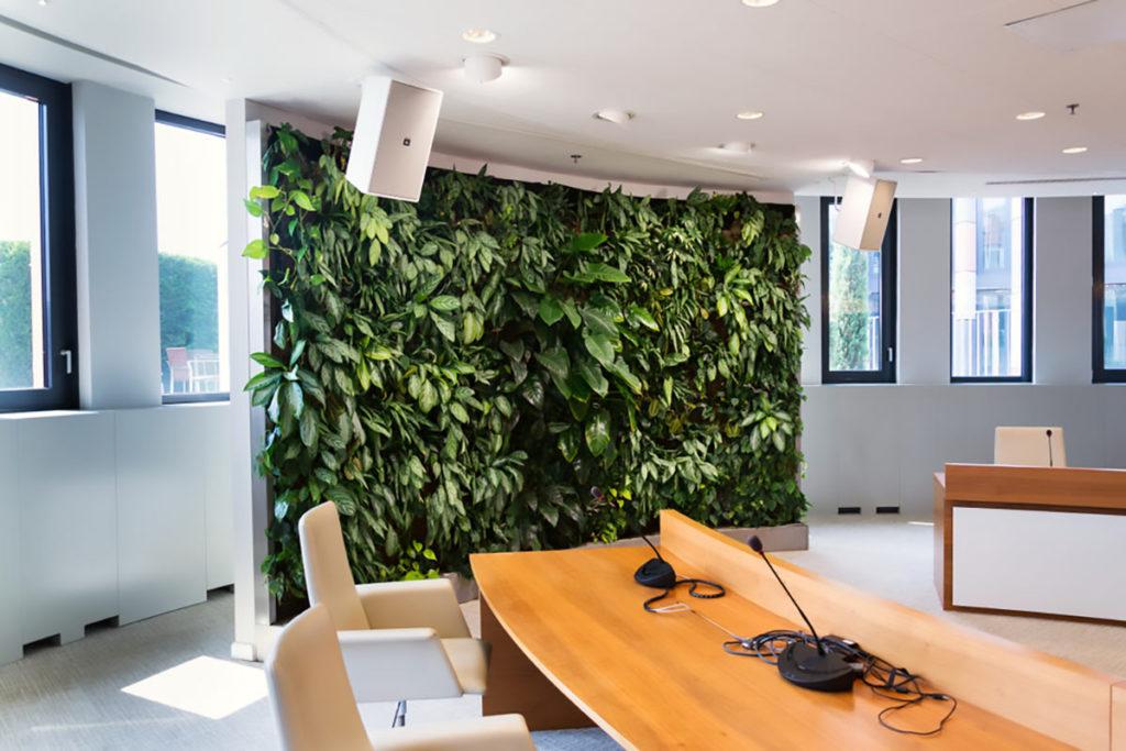 Un giardino verticale in un ufficio