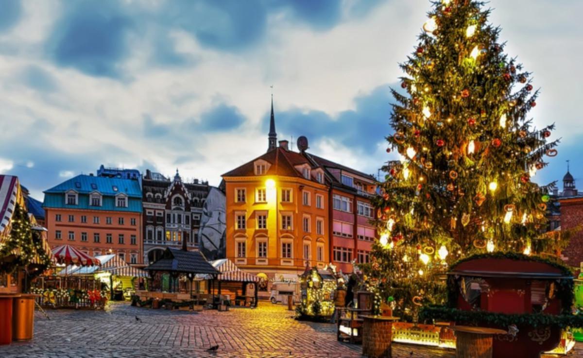 I più bei Mercatini di Natale da visitare all'estero: il mercatino di Riga in Lettonia