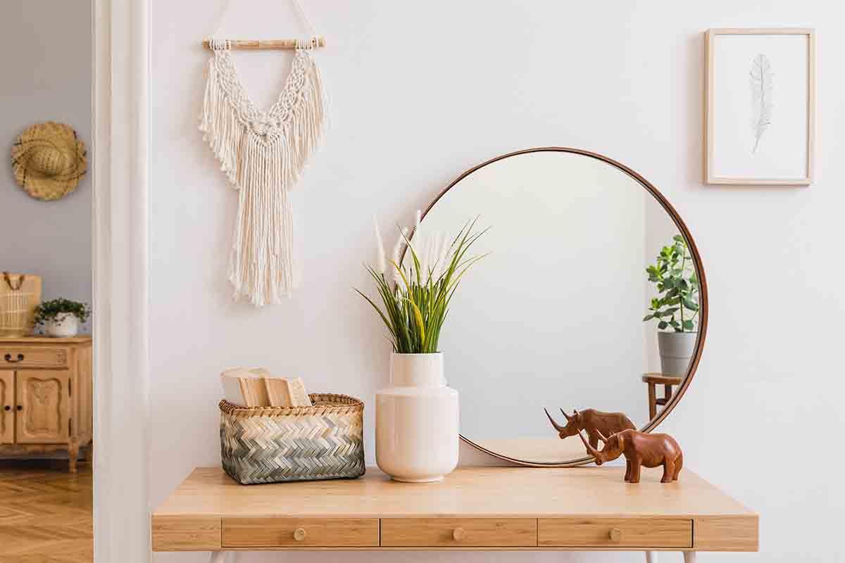 Conoscere l'energia dello specchio: come arredare la casa