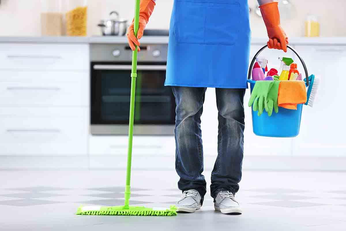 Pulire la casa risparmiando: alcune piccole regole da seguire