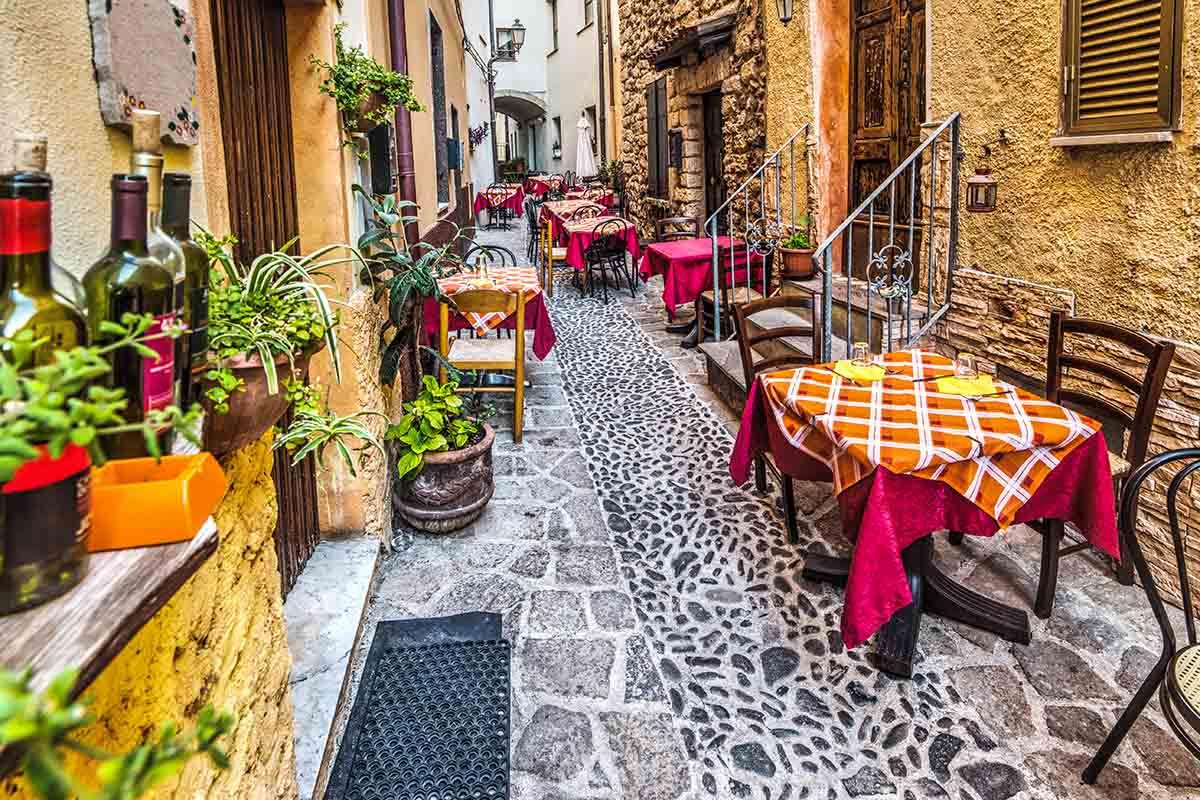 Il borgo di Castelsardo: intreccio mediterraneo