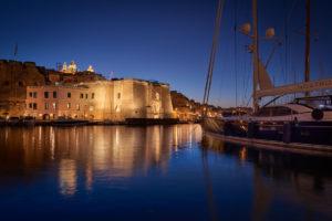 Cugó Gran Macina Grand Harbour Hotel domina il porto di Senglea