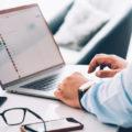 Computer e costi in bolletta: come risparmiare energia per ridurre i costi