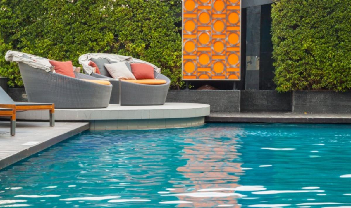 Come progettare al meglio uno spazio per la piscina