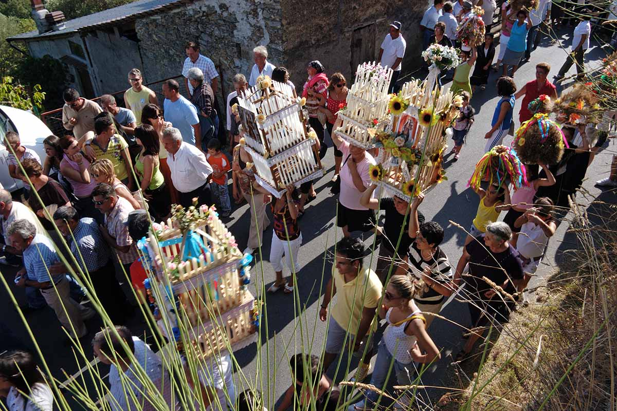 Il borgo di Viggianello: dove fioriscono le ginestre