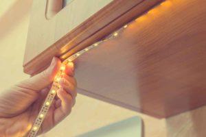 Strisce led per il design di interni: illuminare la casa con stile