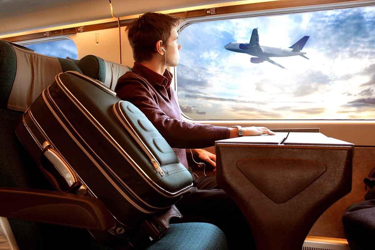 Viaggiare in treno: vantaggi e benefici rispetto all'aereo
