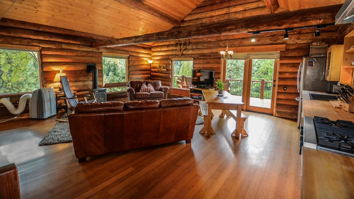 Design natural e sostenibile: arredare casa con il legno