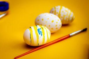 decorare con le uova