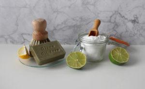 Come pulire oggetti in metallo usando prodotti naturali