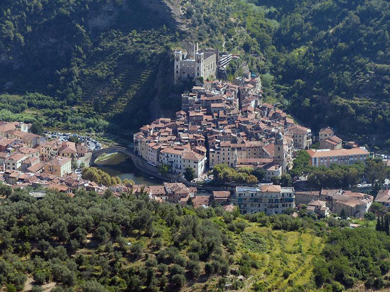 Alla scoperta di Imperia: la città, gli abitanti, cosa visitare e mangiare