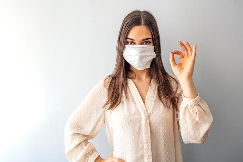 Fase 2: mascherine e guanti, gli errori da da non fare per evitare il contagio