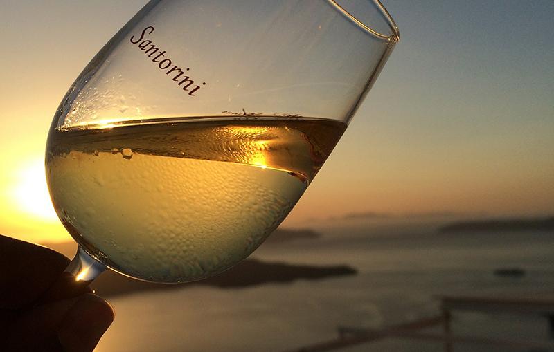 Santorini vino