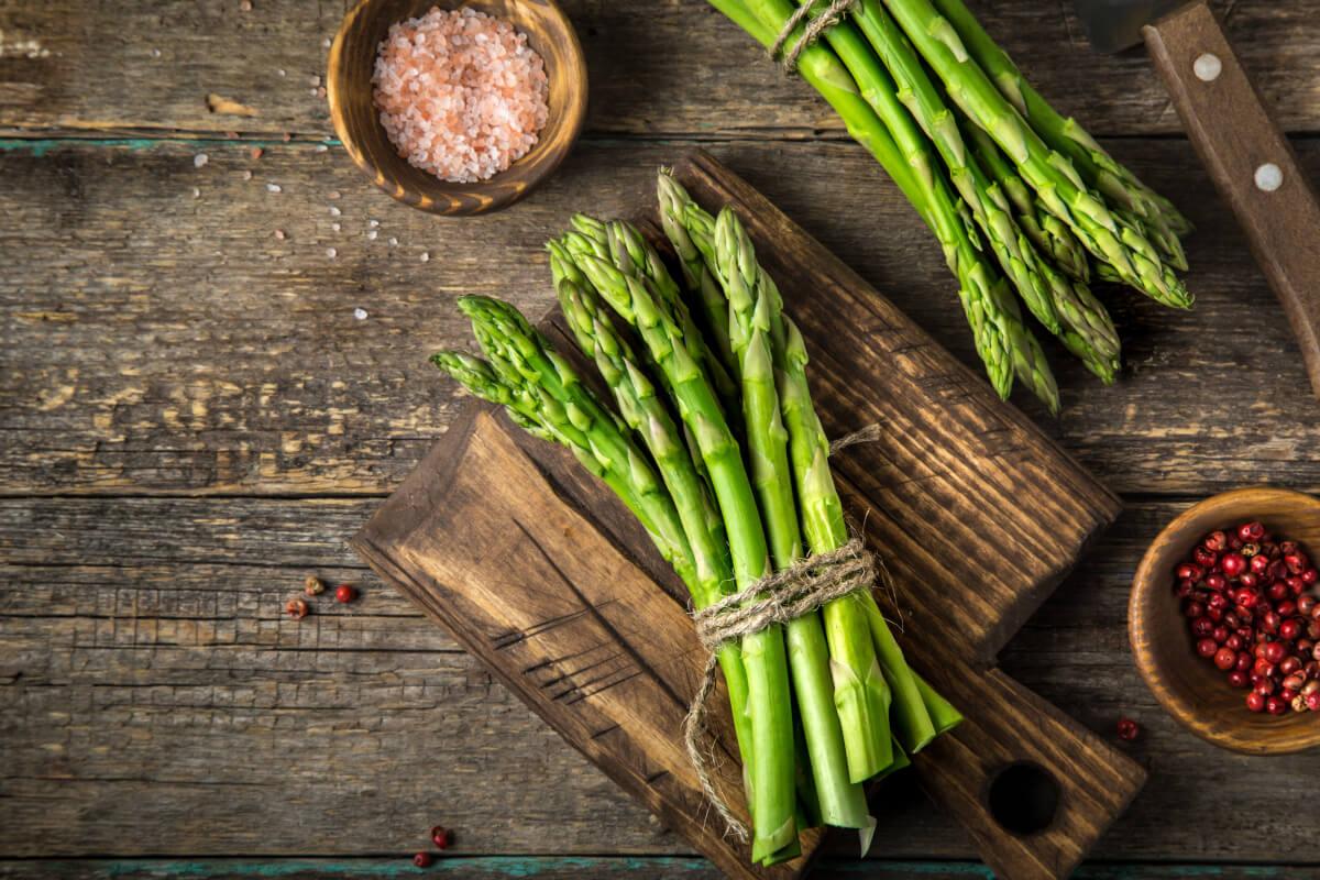 Le 10 proprietà benefiche degli asparagi