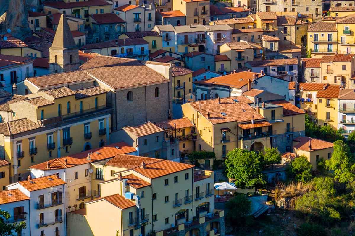 Il borgo di Castelmezzano: l'anfiteatro delle Dolomiti lucane